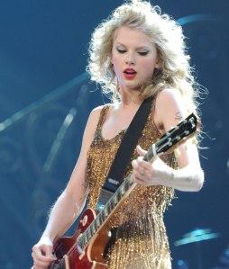 Taylor_Swift_Guitar